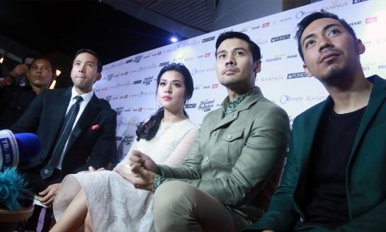 """Misteri Jalinan Cinta Di Film """"Terjebak Nostalgia"""""""